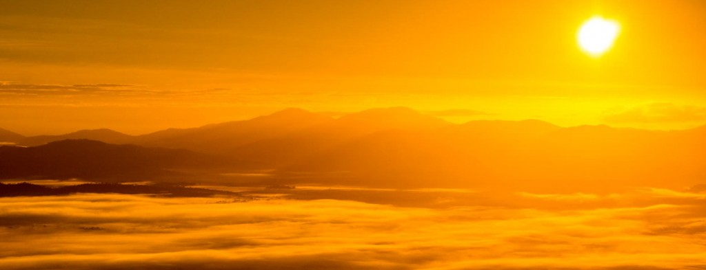 Amazing sunrise from Hot Air Balloon over Port Douglas